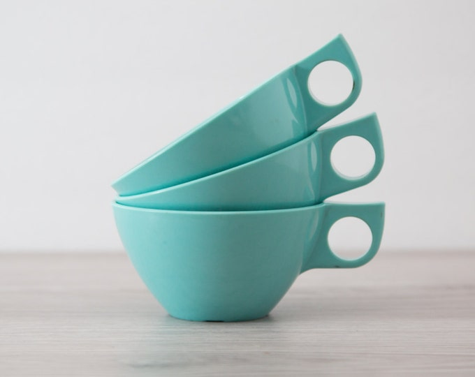 Malamine Teacups / Vintage 3 piece Set Ovation Westinghouse Genuine Melmac Aqua Tea Cups with Handles / Bridgeport, Conn. USA /Camping Mugs