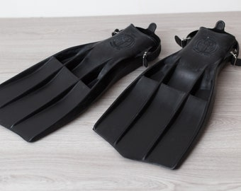 Aqualung U.S Divers Rocket Fins - Vintage Black Rubber Snorkelling and Diving Flippers - One Size - Made in USA - Adjustable Straps