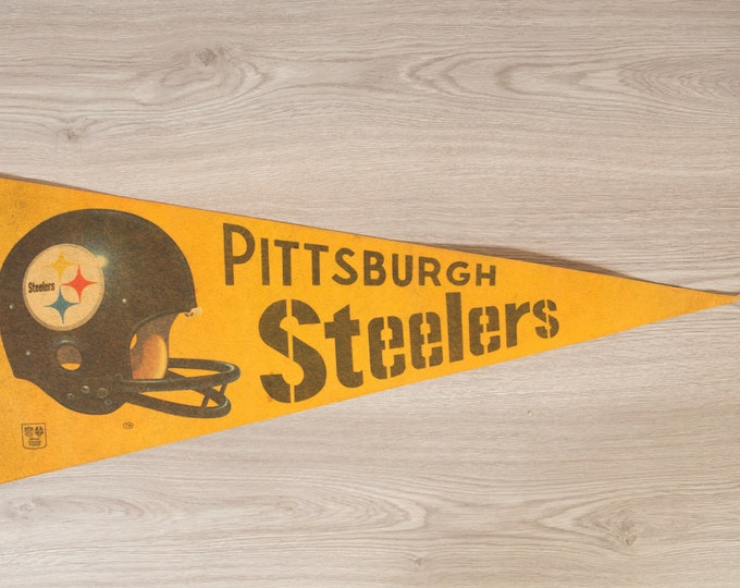 Pittsburg Steelers Pennant - Vintage Felt Sports Souvenir Hanging Triangle Shaped Sports Theme Wall Decor - Boys Room Wall Hanging