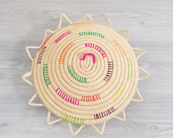 Woven Fruit Bowl - Vintage Rattan Wicker Grass Rope Tray with Colorful String Accent - Rustic traditional Cabin Cottage Decor