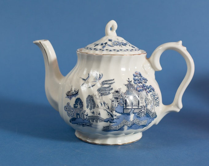 Vintage Teapot with Ornate Chinese Asian blue and white Pattern with Trees and Temple and Birds - Robinson Design Group - Made in Japan