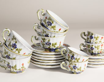 10 Vintage Teacups and Saucers - Maioliche C.A.C.F. Faenza Dipinte A Mano - Made in Italy - Hand-painted Floral Demitasse Cups with Flowers