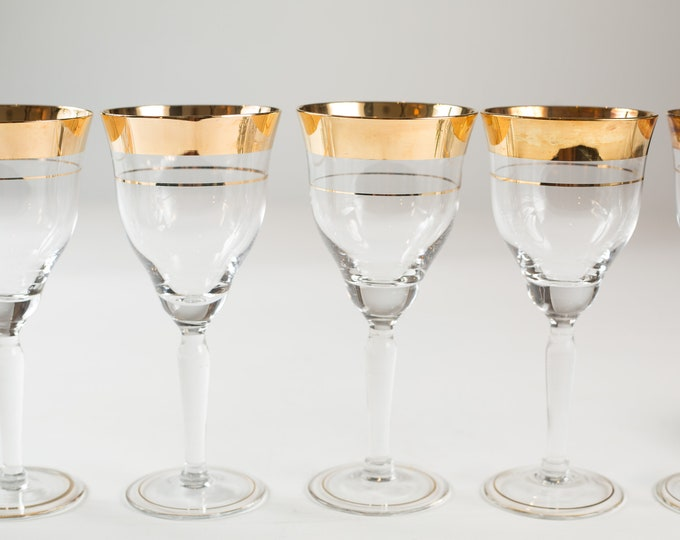 7 Wine Glasses - Gold Banded Vintage Apéritif Cocktail Glasses - Gold Rimmed Hollywood Regency Barware - New Years Party