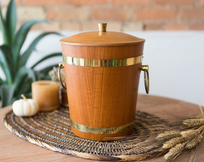 Vintage Wood Ice Bucket - Wood Grain Barrel with Brass Handle and Rings -Bucket with Metal Lining - Mid Century Modern Danish Rustic Barware