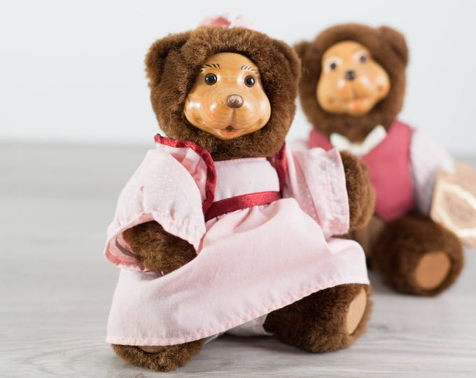 Robert Raikes Bears Dolls / Vintage Teddy Bear Figurines / Brown Bears with Pink and Red Clothing and Wood Faces