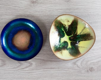 Pair of Abstract Modernism Decorative Plates with Colorful Swirl Marbled Galactic Celestial Space Age Galaxy design - Star Circle Plate