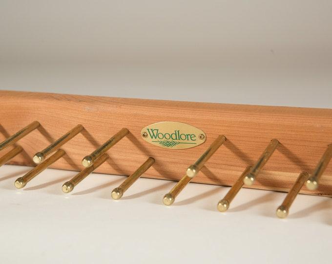 Woodlore Cedar Tie Rack - Holds up to 24 Ties / Necktie Display Hooks / Mens Retro Belt Hanger / Wood and Brass Tie Display