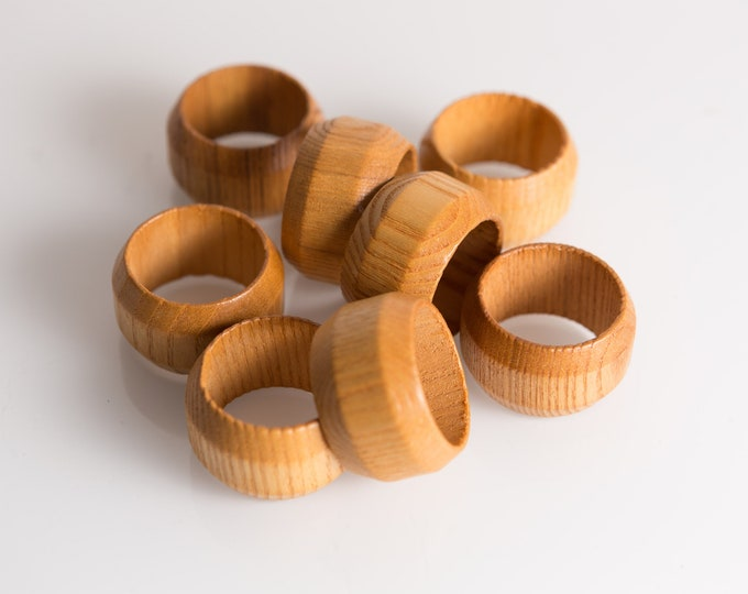 Wood Napkin Rings - Set of 8 Vintage Napkin Holders - Holiday Table Decor