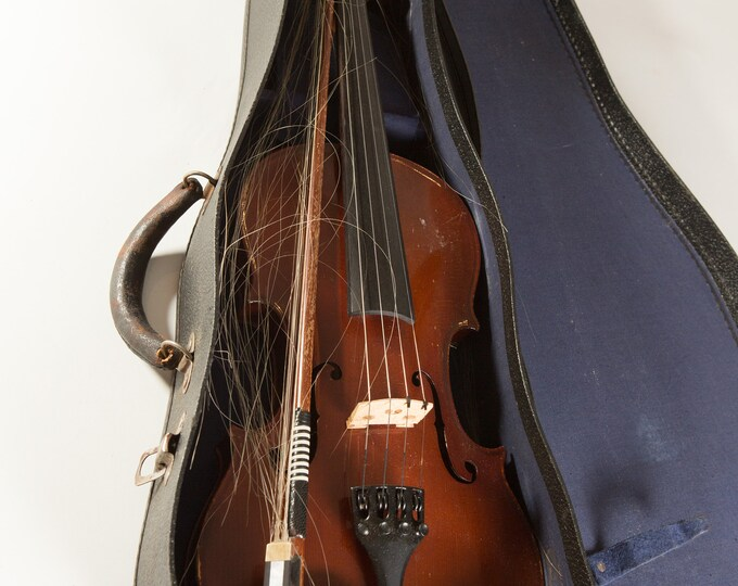 Vintage Violin and Bow with Carrying Case - Wood Fiddle Folk Music Instrument