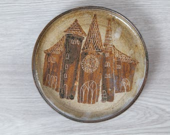 Hald Soon Norway Pottery / Decorative Ceramic Handmade Norwegian Artist Plate / Rustic Brown Scandinavian Design Plate with Buildings