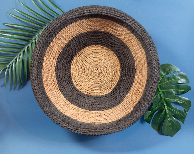 Woven Fruit Bowl - Vintage Rattan Wicker Grass Rope Tray - Rustic traditional Cabin Cottage Decor