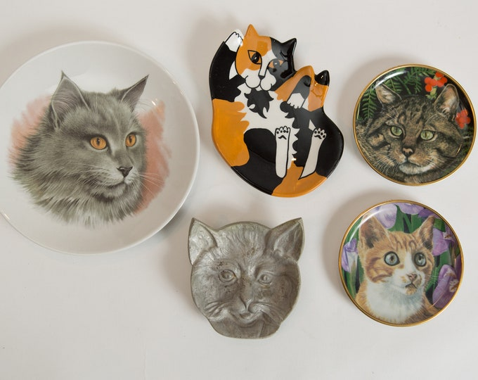Vintage Cat Plates and Metal Jewelry Dish - Kitty Cat Lover Gift - Gift for Mom - Baby Shower Gift - Ring Dish - Jewelry Storage