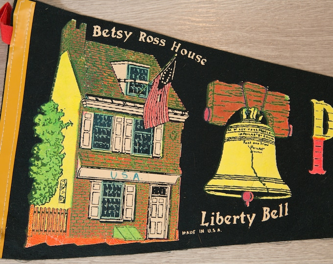 Philadelphia, PA Pennant - Vintage U.S.A Cradle of Liberty Felt Souvenir Hanging Triangle Shaped Wall Decor - Boys Room Wall Hanging