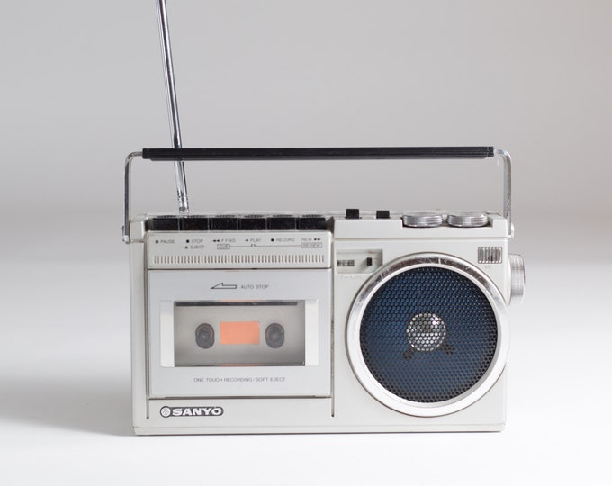 Vintage Sanyo Stereo Radio Cassette Recorder Model M6400 -AM/FM Stereo Vintage Sanyo M9975LU Stereo Radio Tape Player Boombox Ghetto Blaster