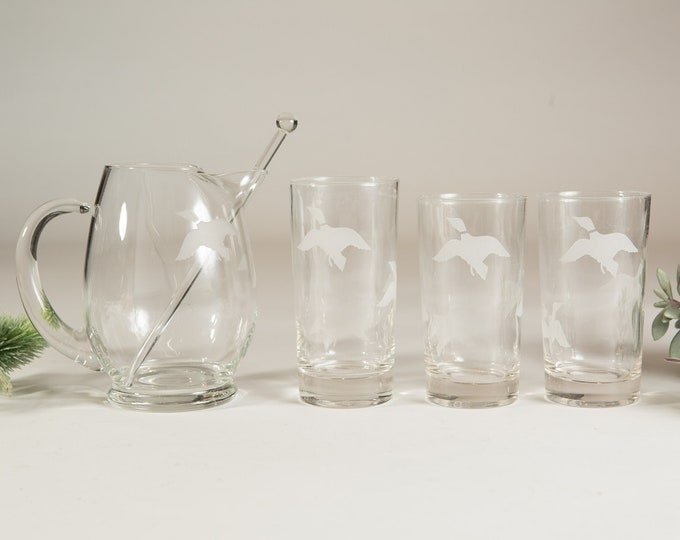 4 Piece Set of Flying Duck Etched / Frosted Detailed Vintage Highball Cocktail Glasses and Decanter Set - Game Bird Barware