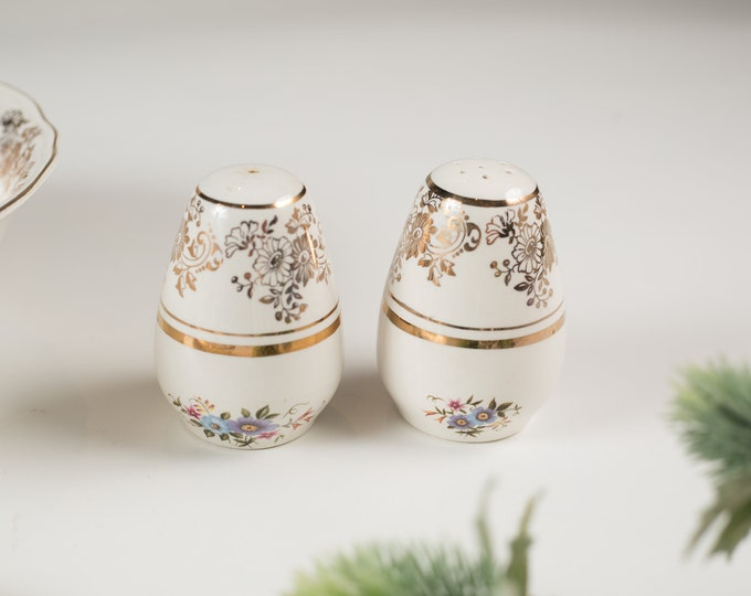 Alfred Meakin Vintage Salt and Pepper Shakers - English Floral Flowers Dinnerware -  Ornate 22kt Golden Posy Pattern - Mothers Day Gift