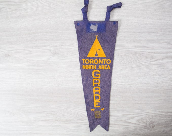 Vintage Toronto Pennant / 1950's Felt Souvenir Hanging Triangle Shaped Camping Tree Theme Wall Decor / Toronto North Area 1956