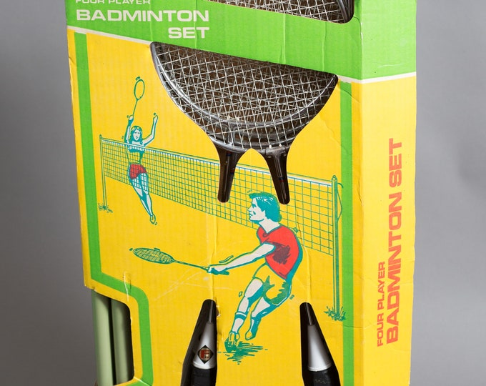Badminton Set - 4-player Vintage Metal Badminton Racquets in Original Box  with net, birdie and pegs - 1970's Collectible Deadstock vintage
