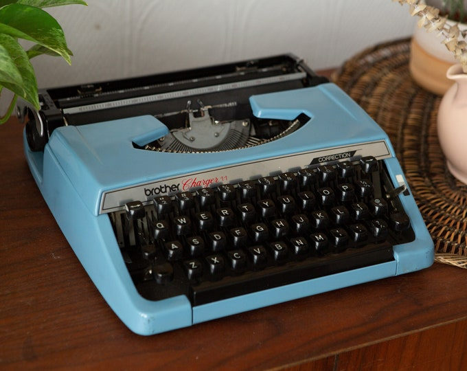 Brother Charger 11 Typewriter - Vintage WORKING Blue Portable Typewriter with Original Carrying Case - Retro Gift for Writer / Author