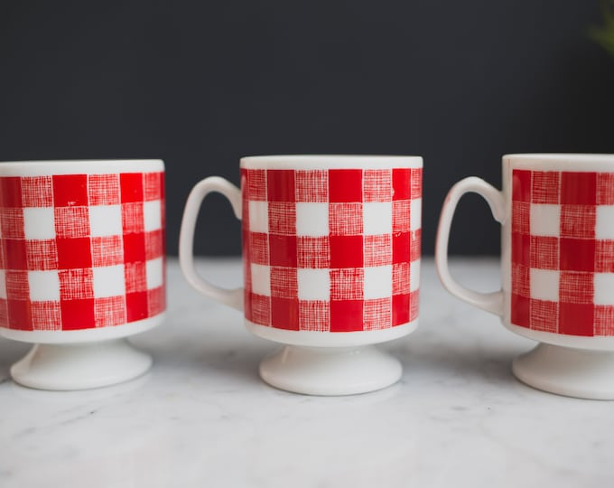 4 Vintage Plaid Mugs - Set of Red and White Picnic Pattern Checkered Ceramic Coffee Mugs