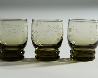 3 Vintage Smoke Gray Etched Floral Apéritif Glasses with Ribbed base (MCM Mad Men 1960's Martini Bubble Style Liquor Barware)