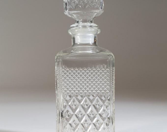 Vintage Liquor Decanter - Diamond Cut Whiskey Glass Bottle with Stopper