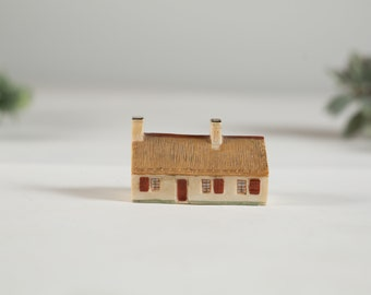 Robbie Burns Cottage Miniature - Vintage Ceramic House Collectible - Retro Brown and Cream Scottish Home - Christmas Decor House -