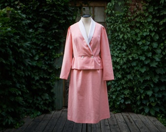 Vintage Pink Suit / Pastel Mod Blazer with White Collar and Skirt / Mad Men Office Chic
