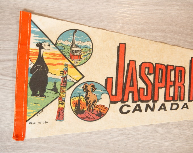 Jasper National Park Pennant - Vintage Canadian Felt Souvenir Hanging Triangle Shaped Wall Decor - Boys Room Wall Hanging
