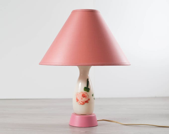 Pink Desk Lamp / Vintage Mid Century Hand Painted Floral Accent Lamp with Oval Lampshade / Alice in Wonderland Girl's Room Bedroom Light