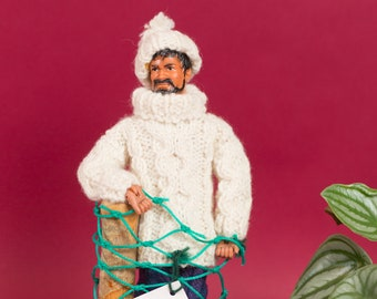 Irish Fisherman Doll - Arran Lion Lascaire - Ireland Souvenir - Fisherman in White Knitted Sweater