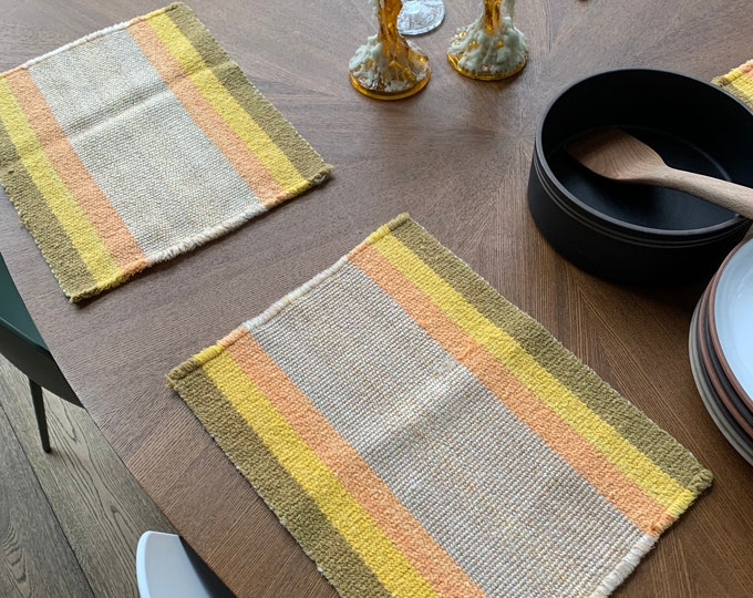 6 Vintage Placemats - 1970's Danish Style Polyester Hand Woven Fabric Placemats -retro place setting mats for rustic farmhouse country table
