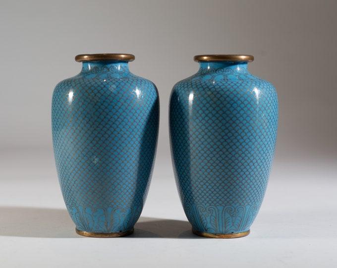 Antique Chinese Urns - Blue Asian Porcelain Vases - Scalloped Vintage Jars