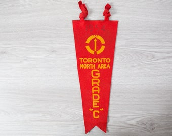 Vintage Toronto Pennant / 1950's Felt Souvenir Hanging Triangle Shaped Camping Tree Theme Wall Decor / Toronto North Area 1954