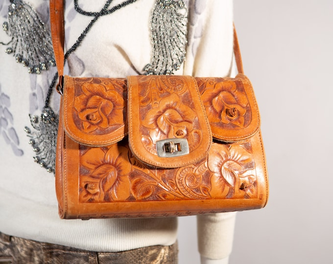 Brown Leather Purse - Vintage 1960's Mexican Tooled Leather Boho Bag with Floral Pattern - Stylish Ornate Design Zipper Cottagecore Bag