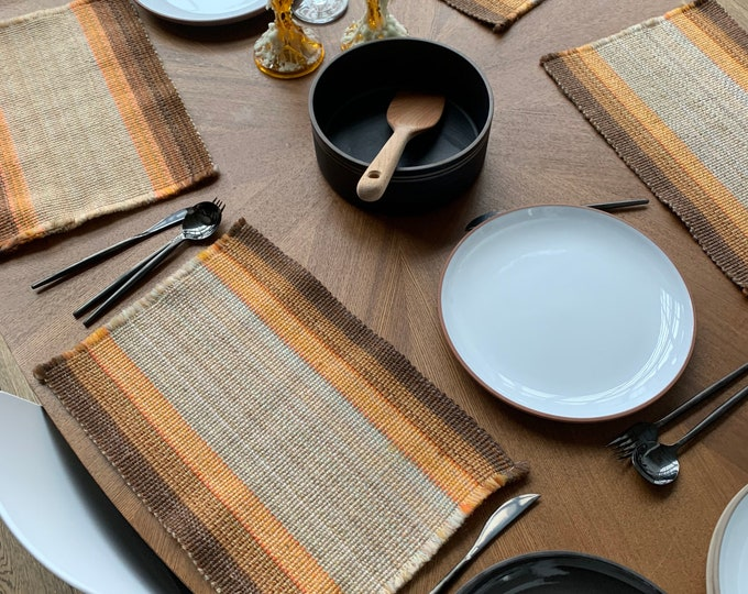 4 Vintage Placemats - 1970's Danish Style Fabric Loom Woven Placemats - retro place setting mats for rustic table - Farmhouse Decor