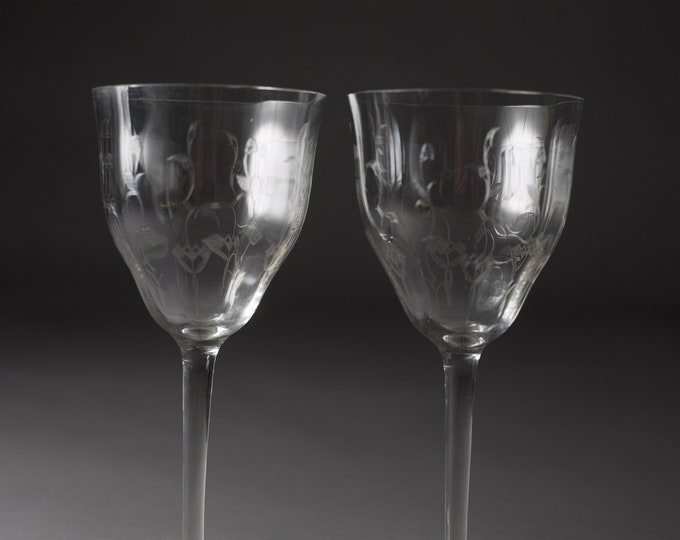 2 Vintage Wine Glasses - Etched Floral Glasses - Antique Cocktail Glasses with Ornate Flowers Pattern