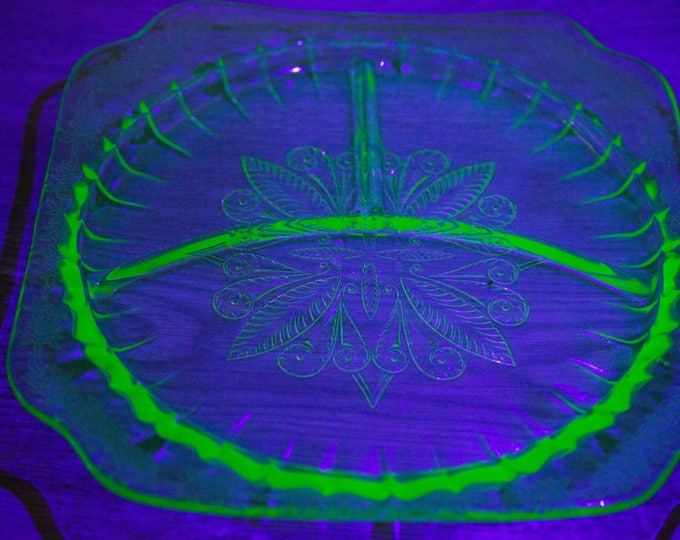 Vaseline Glass Divided Serving Dish / Antique Uranium Yellow Depression Glass Plate /Vintage Etched Glass That Glows Under Blacklight