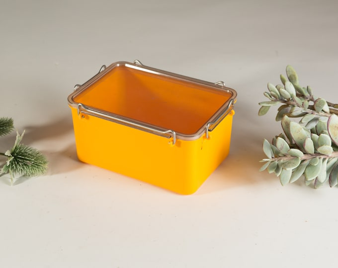Kold Plast of Denmark Vintage Mod Yellow Container - Made in New Zealand by Resinart Plastics - Vintage Camping Shatter proof Lunchbox