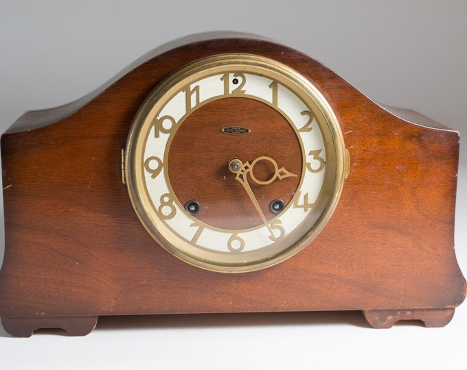 Vintage Wind-up Clock - Antique Wood Mantle Clock - Made in Seth Thomas Canada