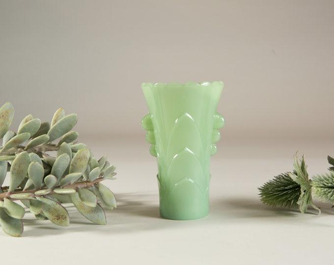 Vintage Jadeite Vase - Green Milk Glass Vase - Collectible Green Glass Jadite