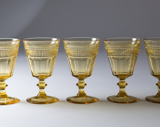 5 Vintage Amber Wine Glasses - Honey Coloured Yellow Glass Etched Geometric Footed Stemware - Depression Glass Wine, Cocktail Barware