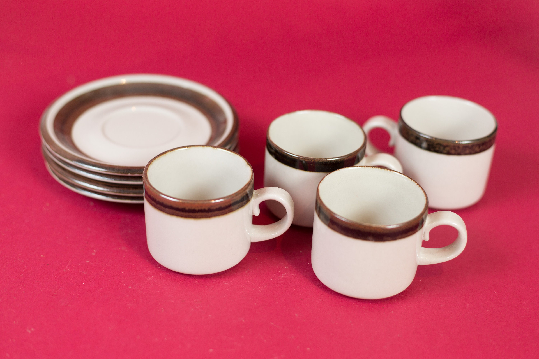 Vintage Arabia Cups and Saucers - Set of 4 Wartsila Finland Karelia