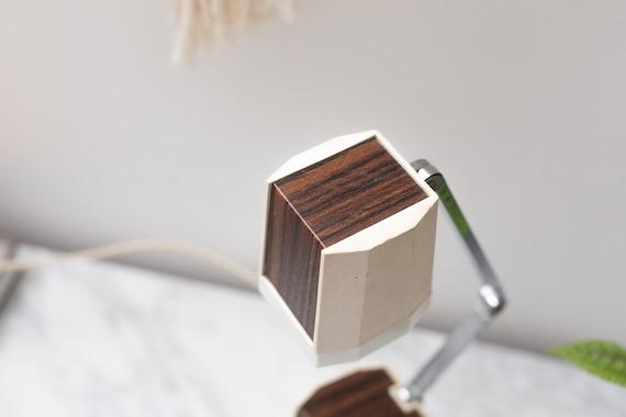 Bureau en bois blanc u raetselhaft
