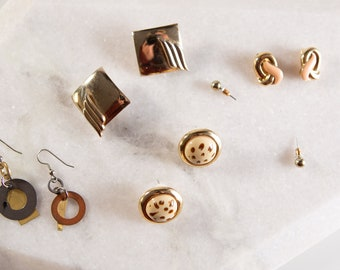 5 pairs 80's / 90's Vintage Gold Tone Earrings - Clip on and Stud Costume jewelry - Studio Modernist Earrings