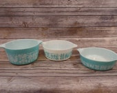 Set Of 3 Turquoise White Amish Butterprint Pyrex Pyrex Glass Pyrex Bowls Farmhouse Americana Housewarming Mixing Bowls Wedding Gift