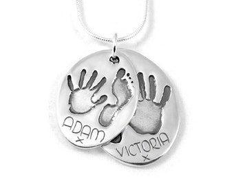 Double hand and footprint pendant (oval)