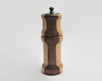 Wooden Salt Shaker And Pepper Mill - Handmade Salt and Pepper mill Combination - Salt Shaker - Pepper Mill - Salt Shaker And Pepper Grinder
