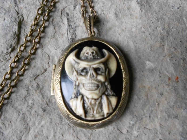 75f3a120bee4 Camafeo medallónVaquero esqueleto cráneo sombrero de