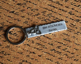 Mo Nighean Donn - My Brown-Haired Lass - Scottish Gaelic Aluminum Key Chain Fob with Charm - Hand Stamped